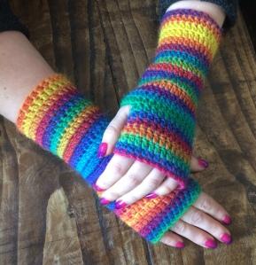 stripy-crochet-mitts