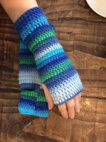 mitts-blue-stripes